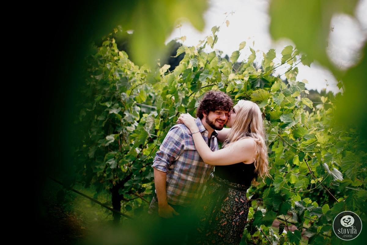 Andy_Ashley_Engagement_Session_Flag_Hill_Winery_Lee_NH (3)